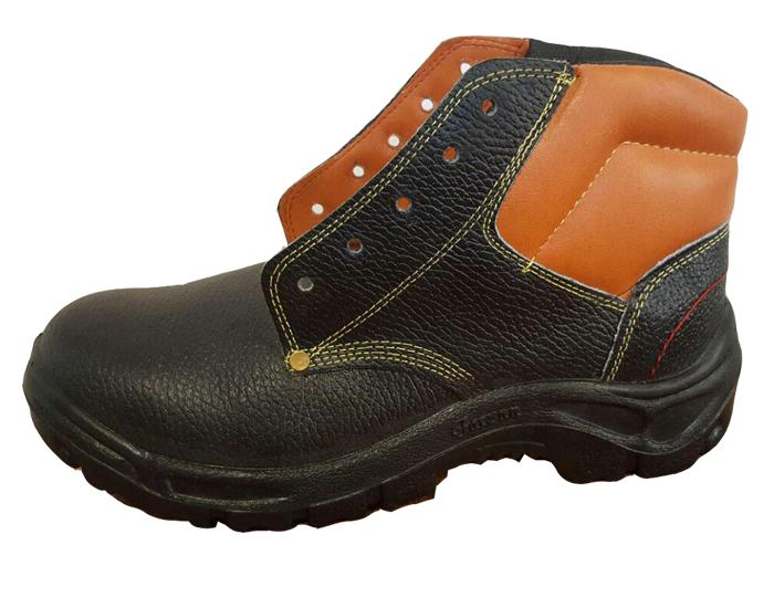 لباس کار و کفش کار