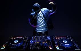 موزیک  dj ,زنده  یک مهمانی با شکوه نیازمند موزیک حرفه ای است