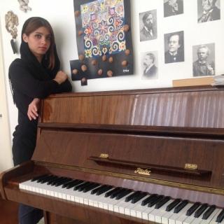 آموزش پیانو توسط استاد نسترن حسینی