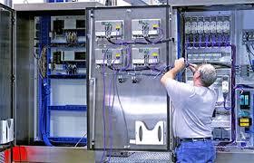 اجراي كليه پروژه هاي اتوماسيون صنعتي ، تعبيه PLC  ، نصب سيستم هاي توزين خاص