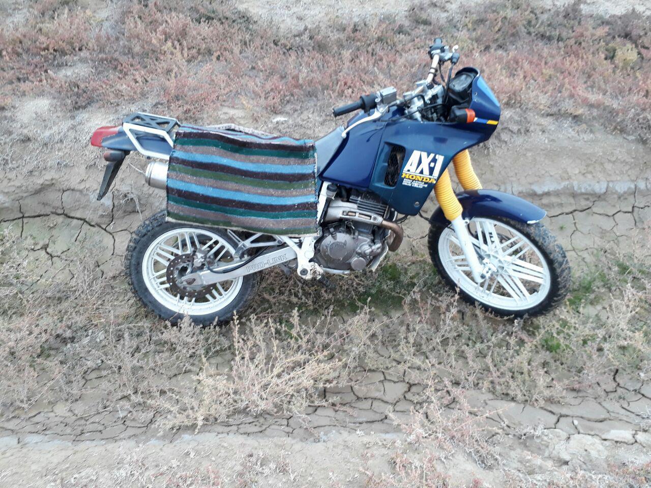 موتور سیکلت هندا آکس 1 ax