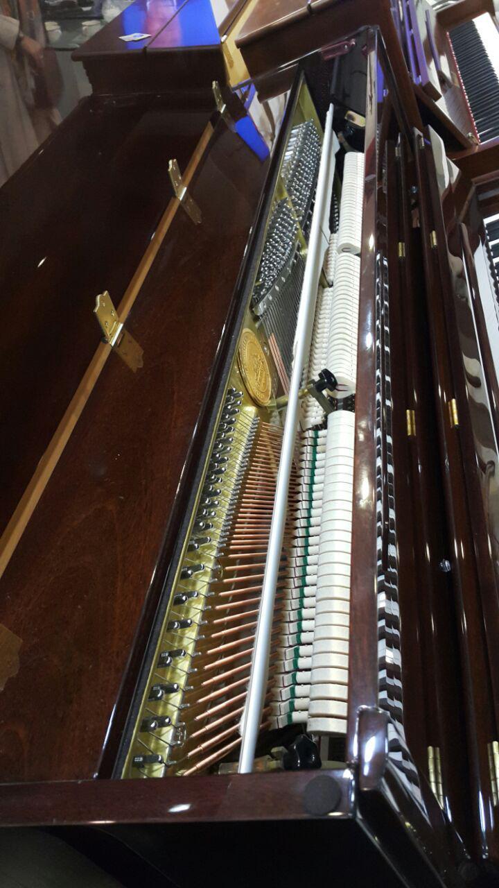 فروش ویژه پیانو آکوستیک برگمولر (گردویی)