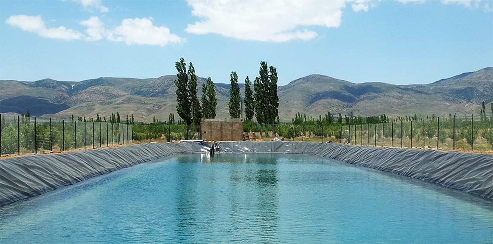احداث استخر کشاورزی و تجهیزات آبیاری قظره ای بارانی تیپ