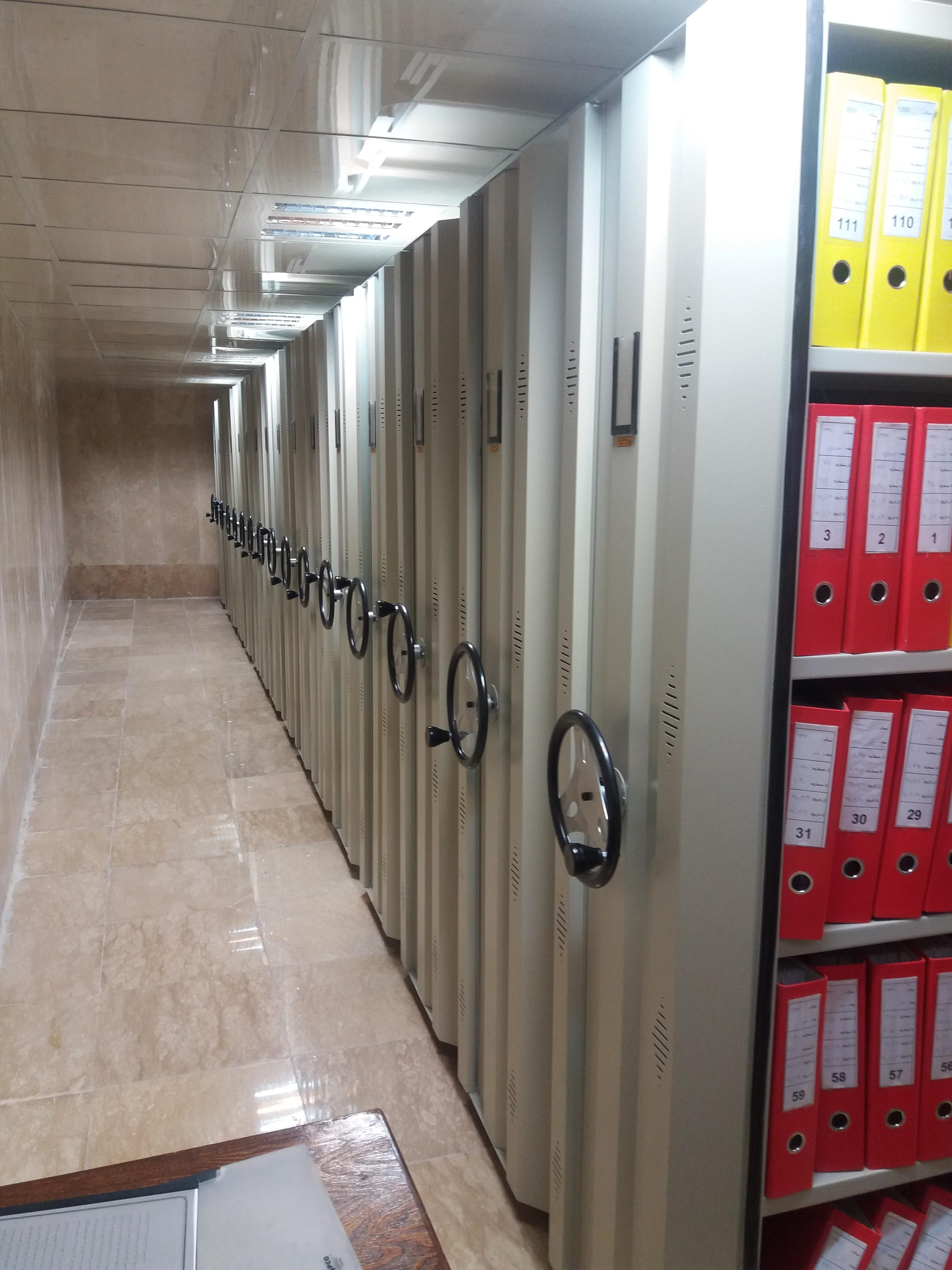 قفسه بایگانی ریلی برای بایگانی اسناد