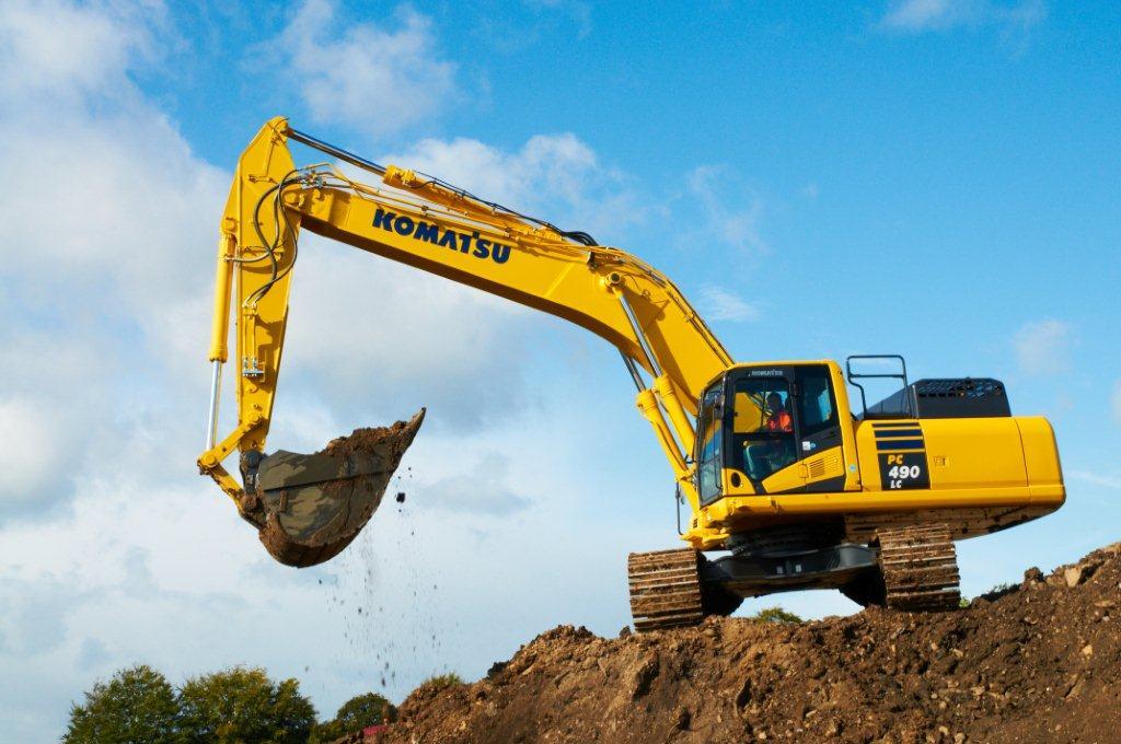 تأمین قطعات یدکی بیل مکانیکی کوماتسو