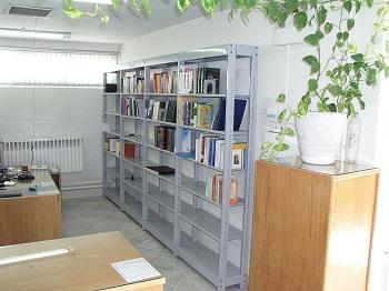 قفسه ثابت فروشگاهی و کتابخانه ای