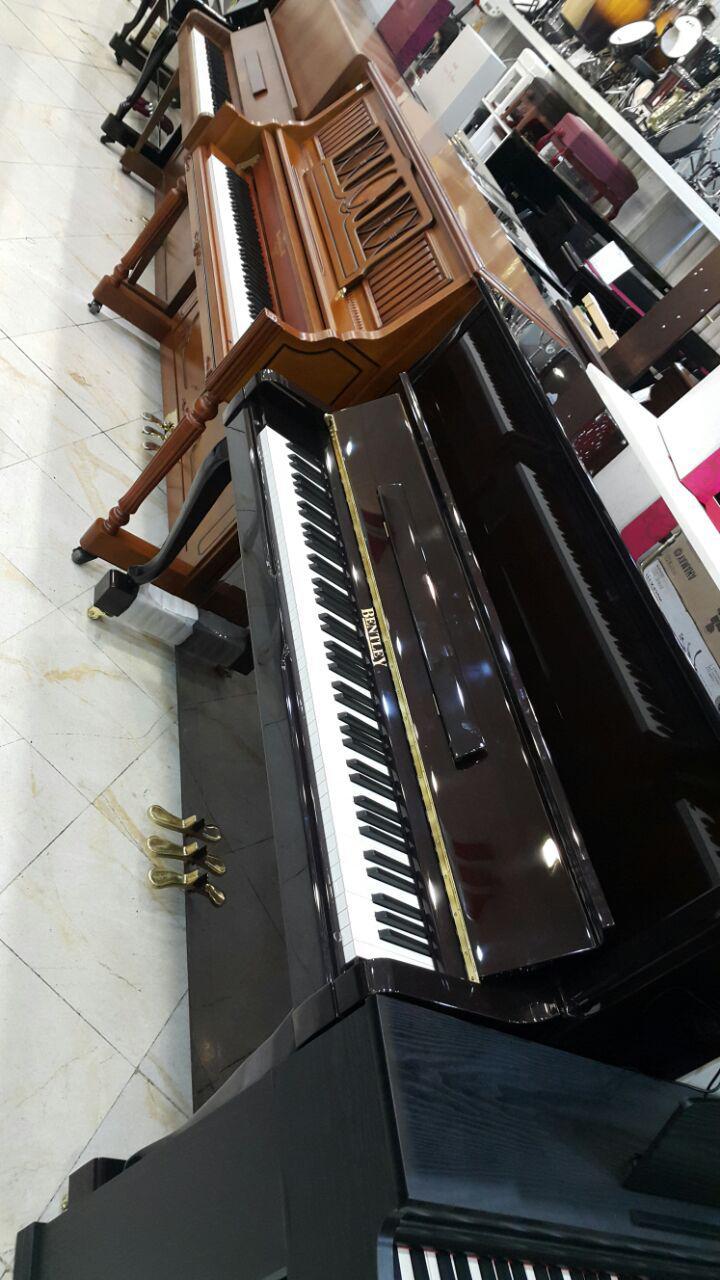 فروش فوق العاده پیانو آکوستیک بنتلی (پایه آهویی)