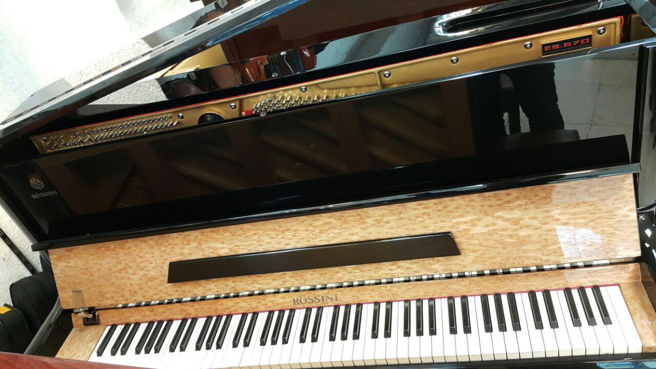 فروش پیانو روسینی 126