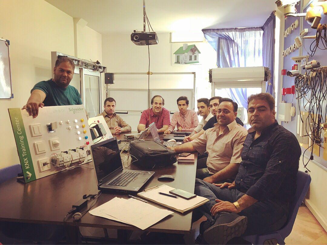 آموزش هوشمند سازی با پروتکل KNX در مشهد