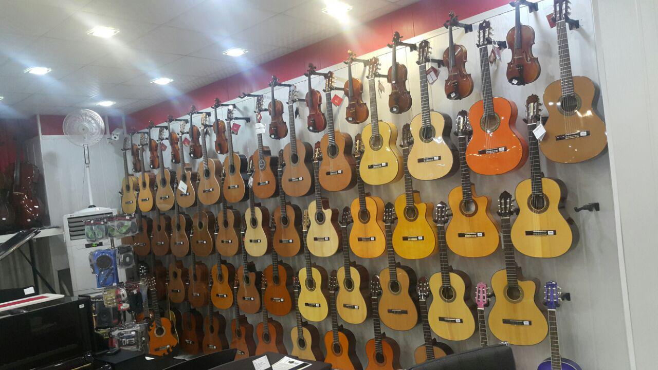 فروش انواع گیتار و ویولن