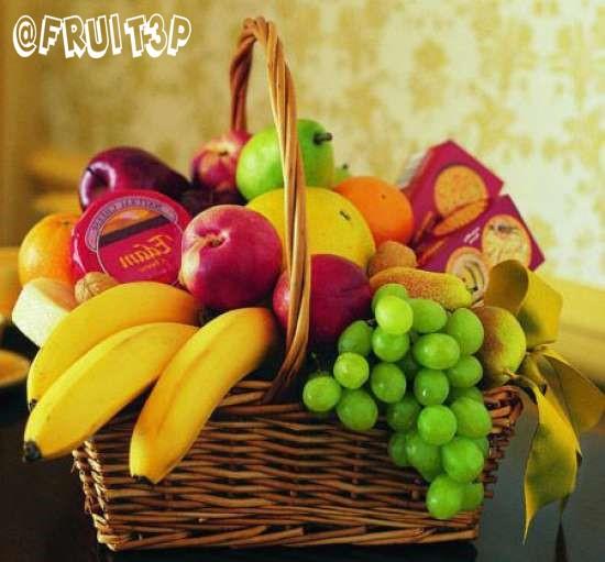 میوه بسته بندی شده داخل سبد پذیرایی (پارمیس)