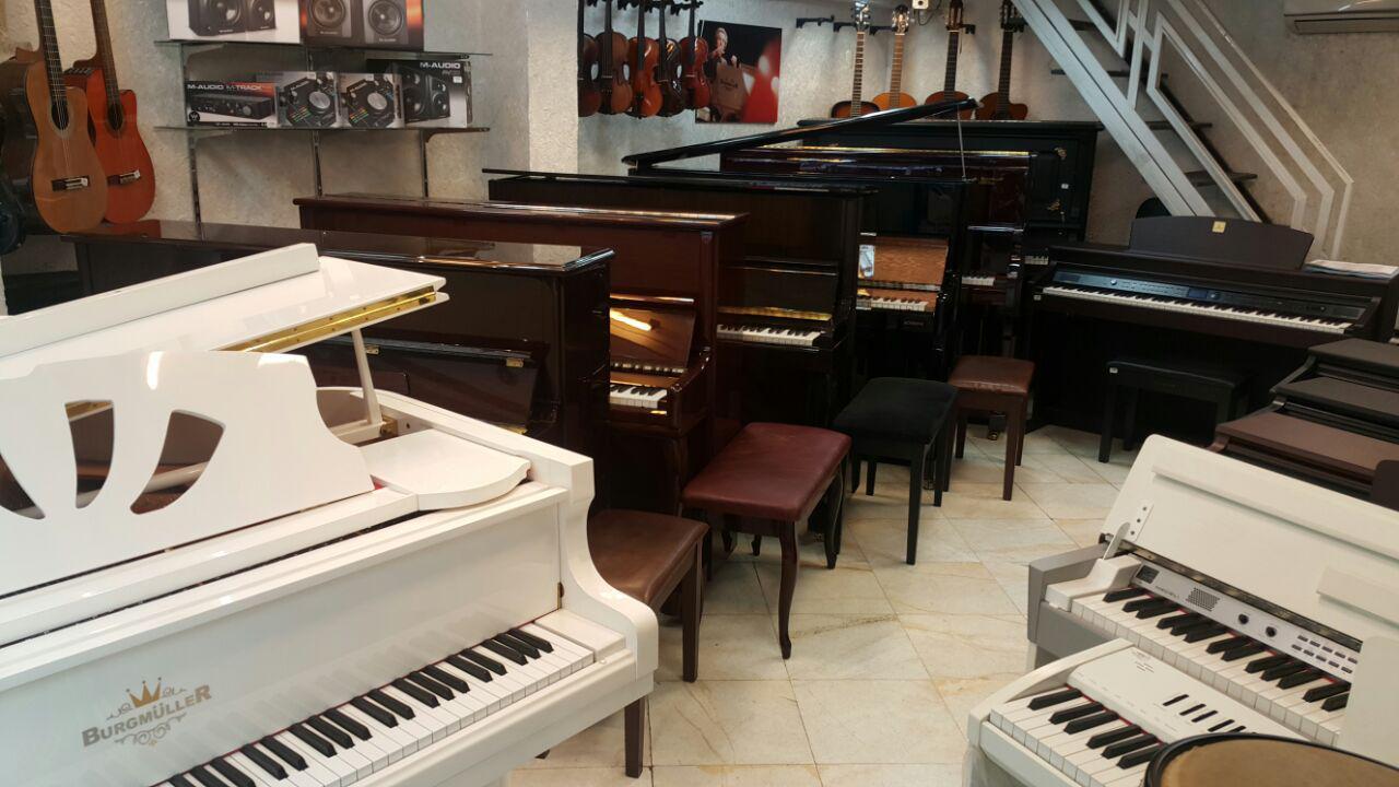 با نصف قیمت صاحب پیانو شوید